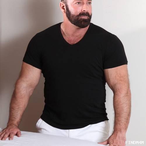 Muscle Bear massage by Brad Kalvo