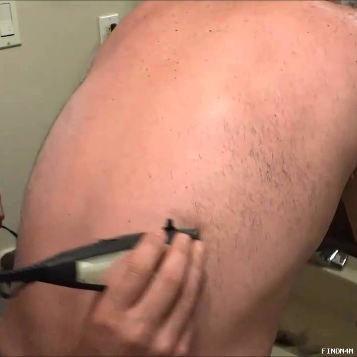 Body hair grooming (manscaping)